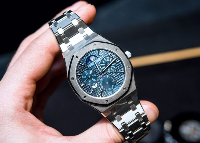 Audemars Piguet Royal Oak RD#2 Perpetual Calendar Ultra-Thin Hands-On Hands-On